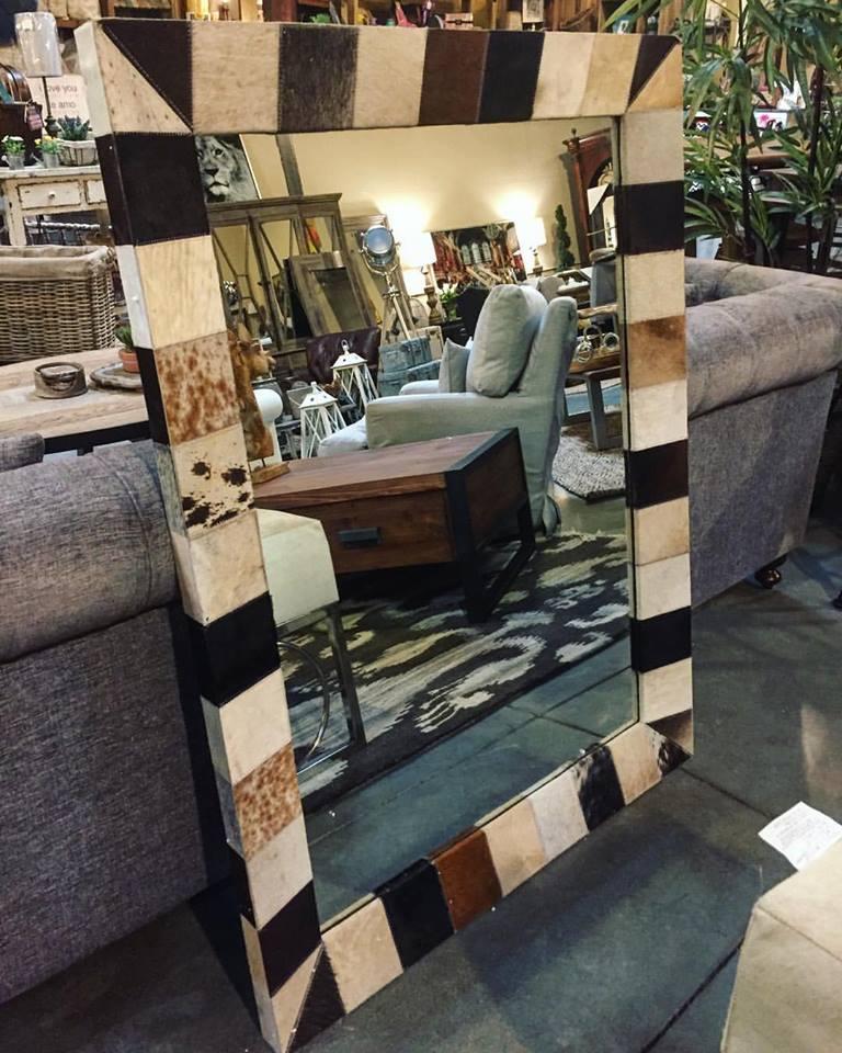 tthe-find-reno-mirror-fur-trim