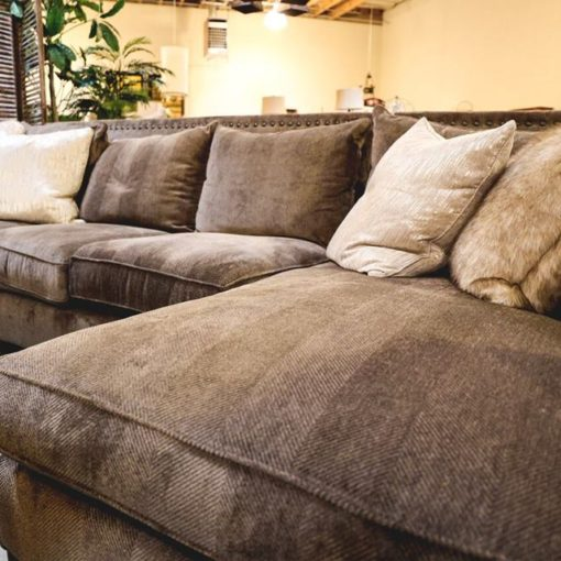 Skip the Chain Stores in Reno – Your Next Sofa is Waiting at The Find!