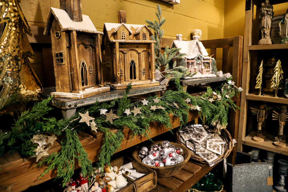 the-find-reno-beautiful-holiday-decor